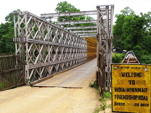 Iron-bridges-near-moreh-border