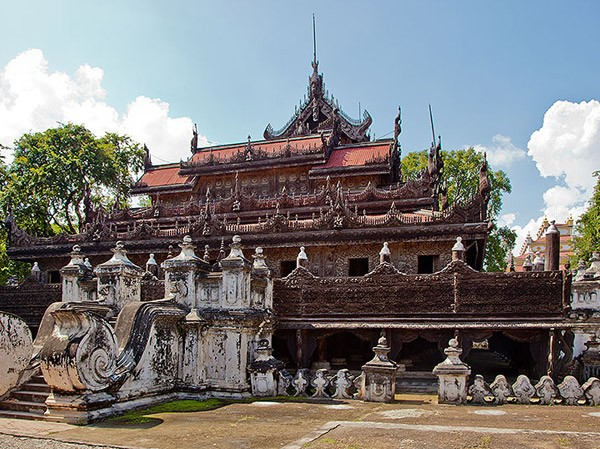 Monasteries-in-Mandalay